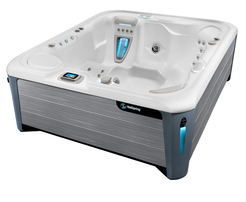 sovereign hot tub angled image
