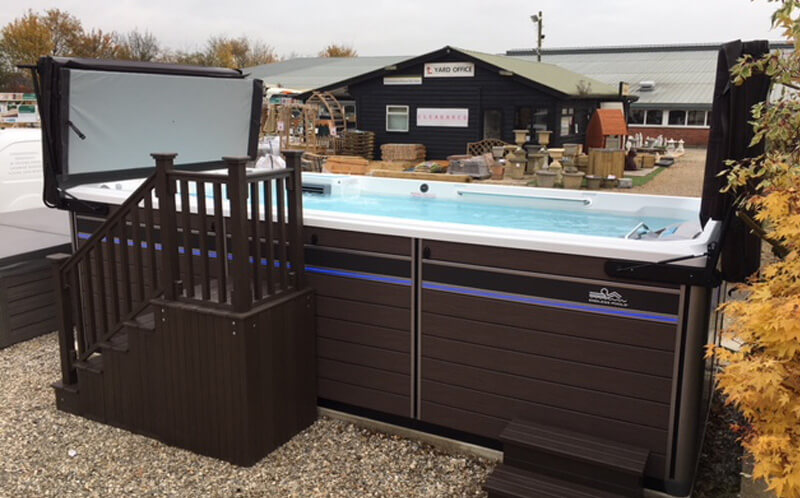 cambridge hot tubs page image