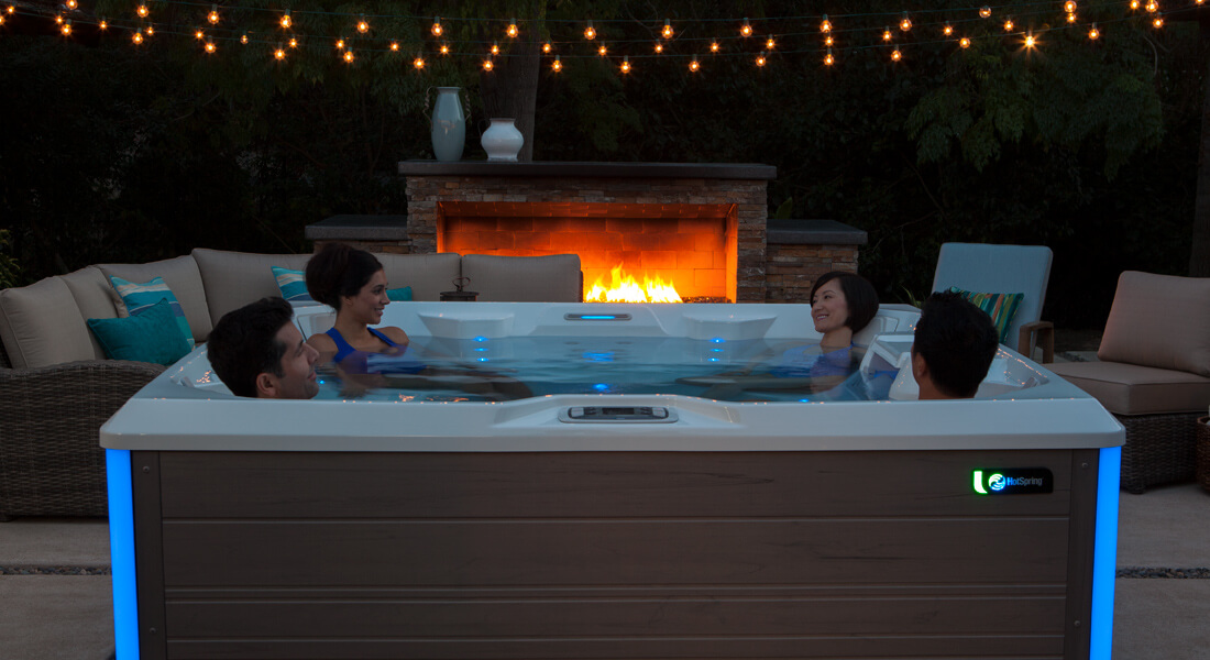 How to throw a summer hot tub party image 1